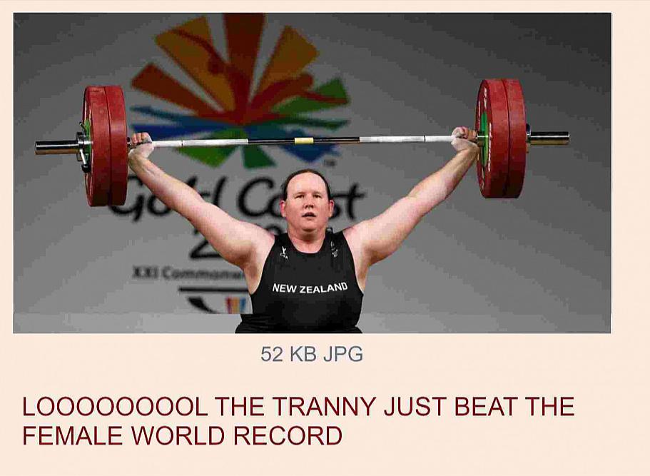 Bild: Femboy stellt neuen Frauen-Weltrekord im Gewichtheben auf.